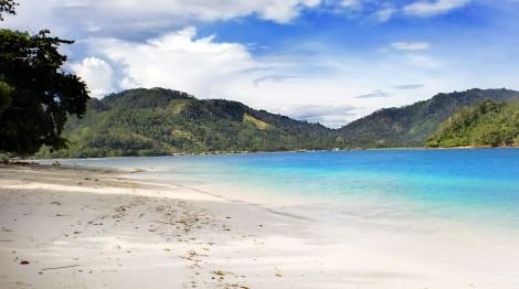pantai di pulau kiluan