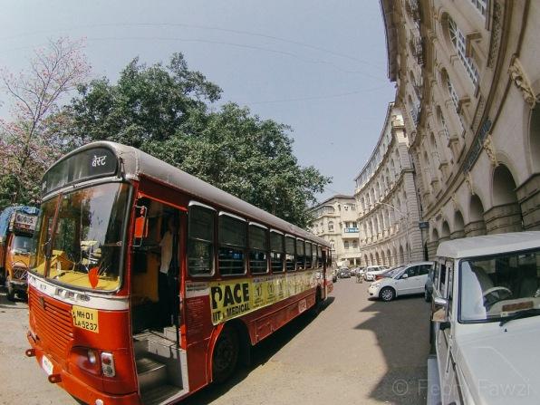 Bus kota di Horniman Circle