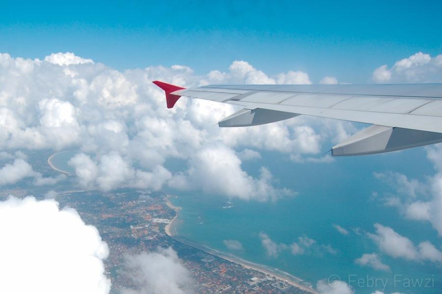 Tips bepergian dengan pesawat - by Febry Fawzi